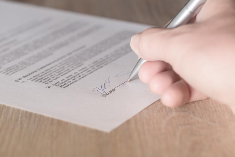 Convenios y Contratos